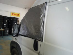 izolace bočních oken karavanu